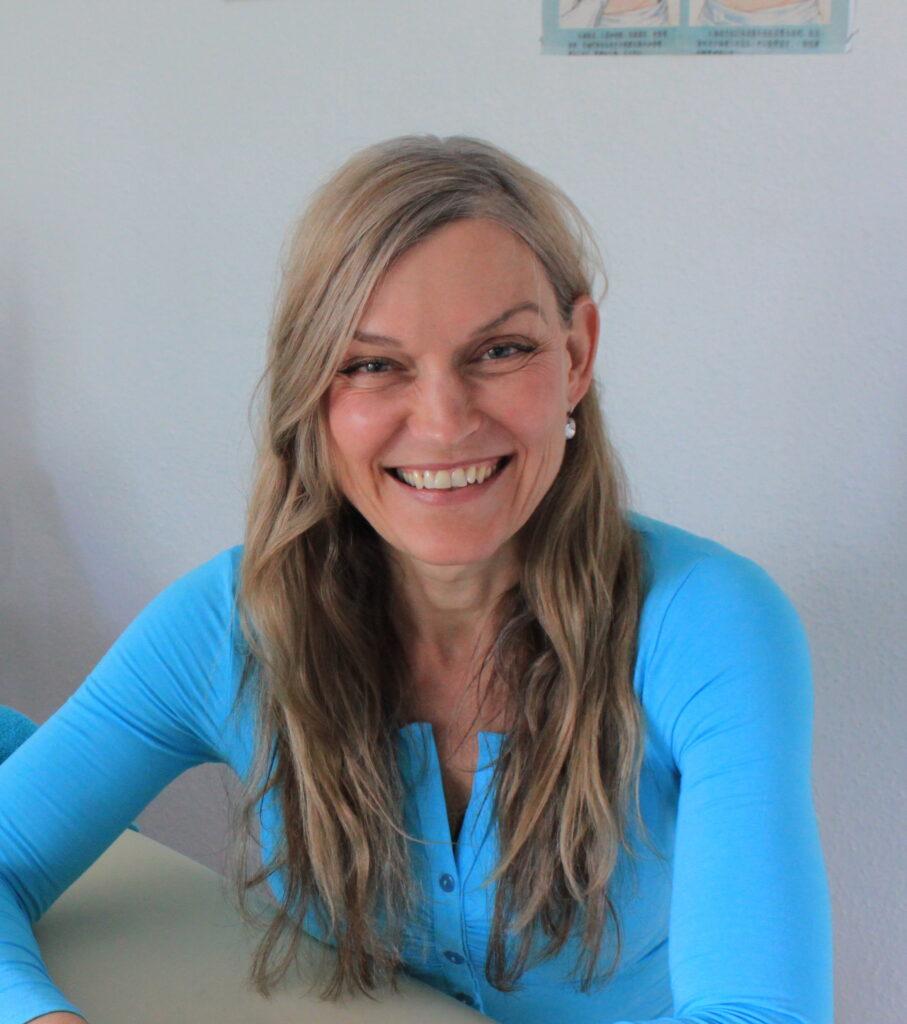 Anne Juul Wallin, akupunktur, psykoterapi, hypnose og jordemoder, Amager